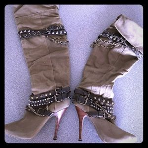 Shoes - Cool Boots 👢